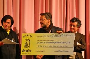 Consegna dell'assegno ad ABEO Liguria Onlus