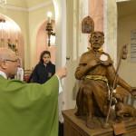 Monsignore Don Lelio Roveta Benedisce  la statua del santo